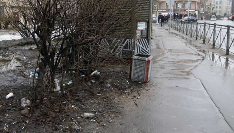 Улицы Петроградской стороны в постзимней грязи. Фото: Мойка78