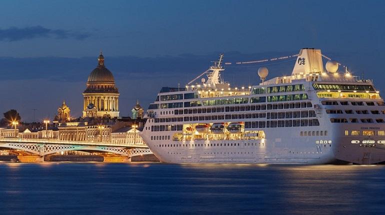 В Петербурге начался новый круизный сезон