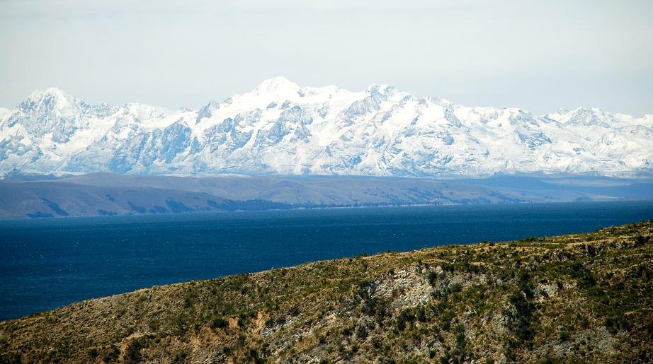 Археологи нашли в озере Титикака древние артефакты времен инков