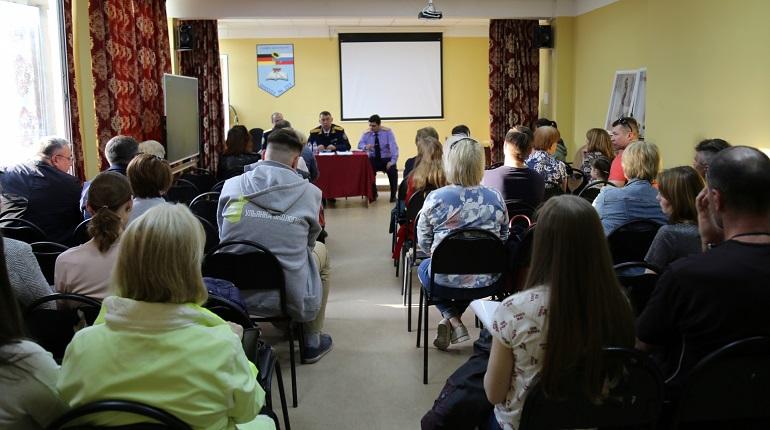 Следователи зачастили в Ульянку из-за вони и Пулково