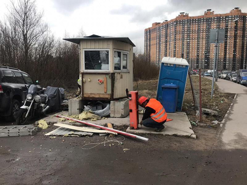 Снос незаконных парковок в Петербурге. Фото: ККИ