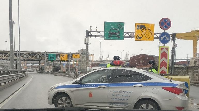 Арктический форум приостановил автомобилистов на ЗСД