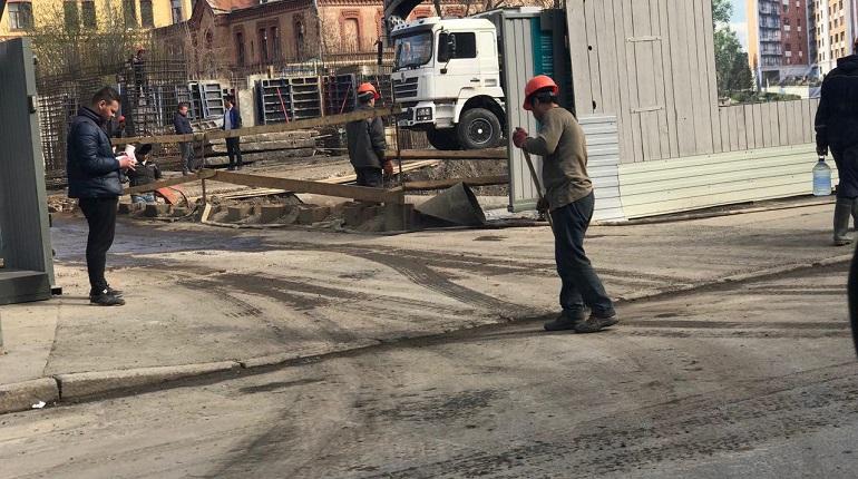 Строители пачкают отмытый москвичами Петербург