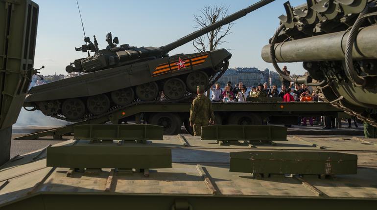 Первая репетиция парада и выставка в Русском музее: события 11 апреля