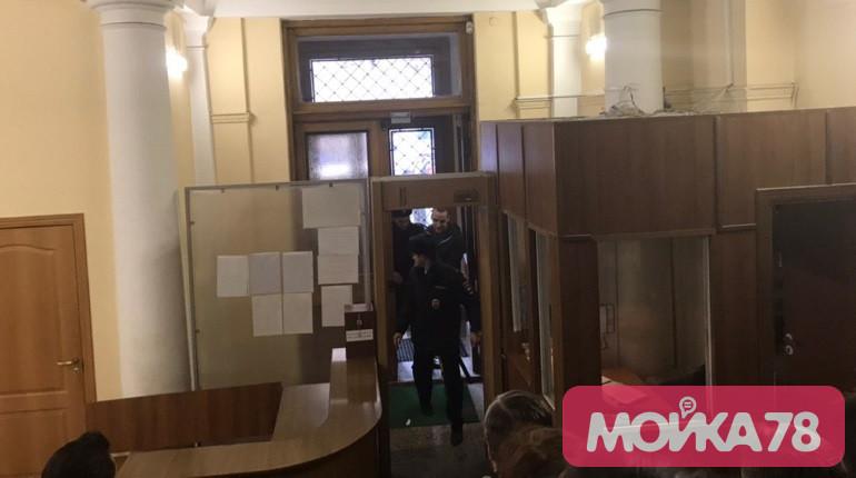 В суд привезли обвиняемых по делу террористической организации «Сеть»
