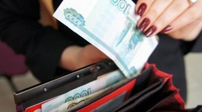 Петербуржцы стали зарабатывать по 67 тысяч рублей