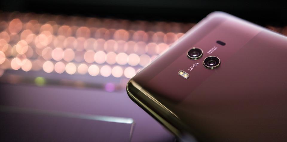 Петербуржцы стали чаще западать на Huawei, но лидером остается iPhone
