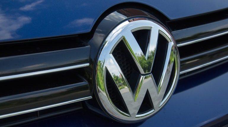 Volkswagen вспыхнул в Центральном районе ночью
