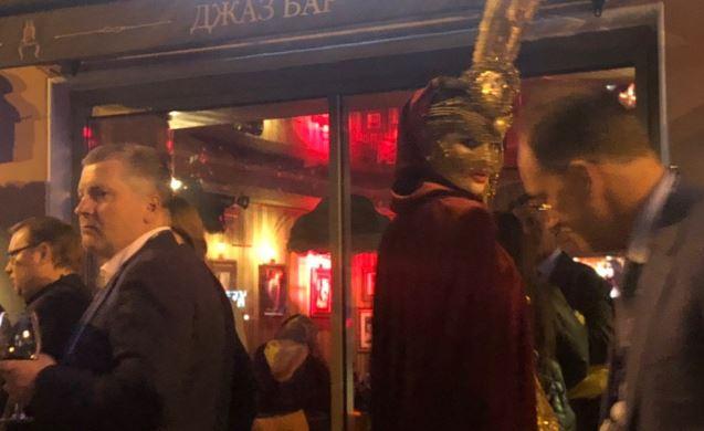 Рестораторы улицы Рубинштейна наносят ответный удар