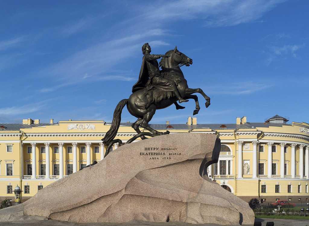 Самые дикие ритуалы выпускников военных вузов в Петербурге