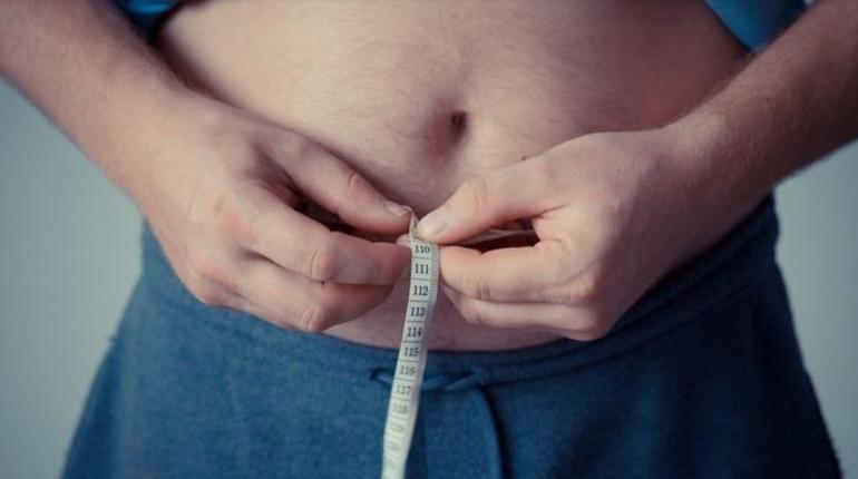 Ученые объяснили, почему люди с возрастом набирают вес