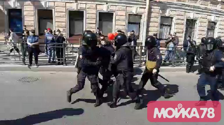 Шишлов прокомментировал задержания на первомайском шествии