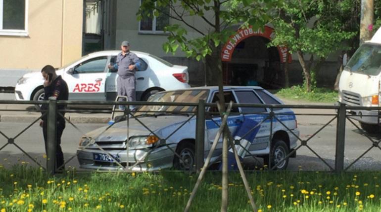 ДТП с полицейской машиной в Петербурге попало на видео