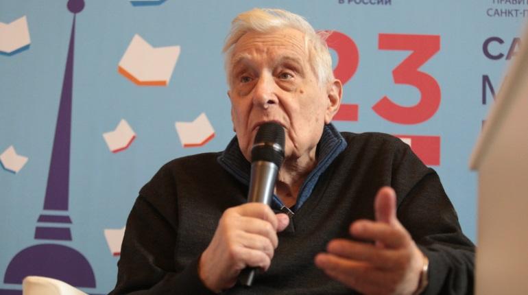 Беглов поздравил артиста Басилашвили с 85-летием