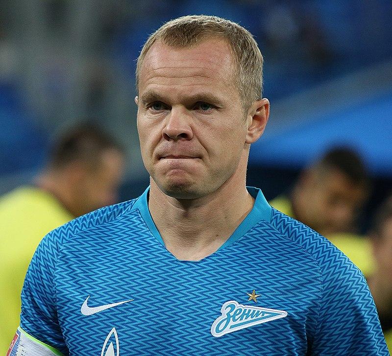 Анюков заявил, что не оставлял игровую карьеру