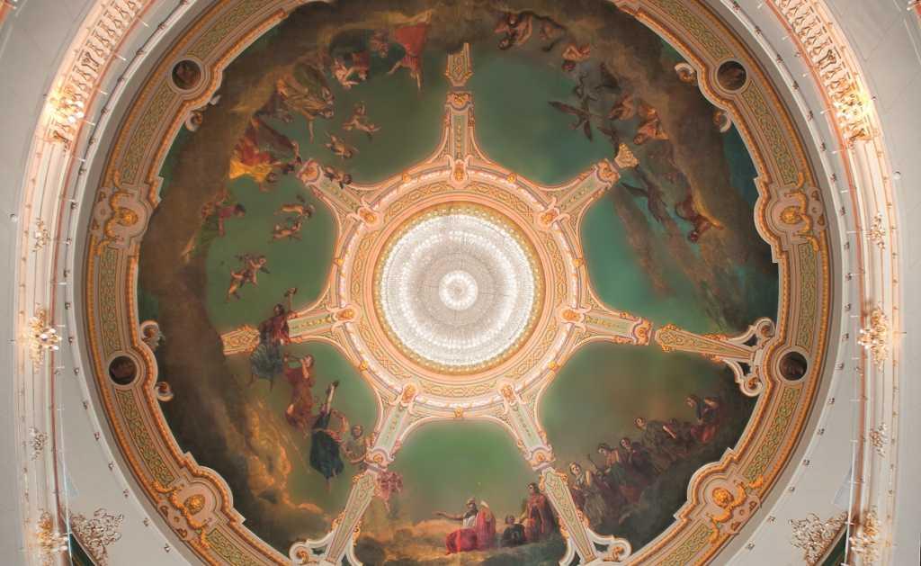 Дрезденский бал в Петербурге посетили мировые оперные звезды