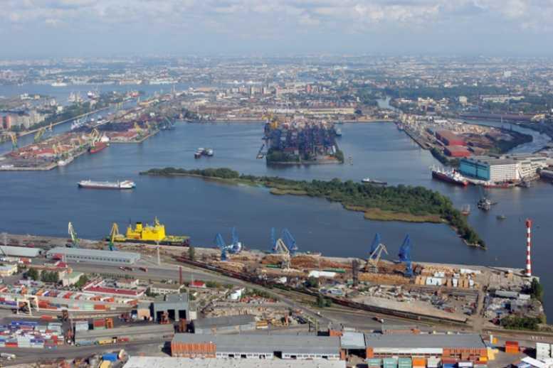 В Петербурге реконструируют нефтяной терминал за 6,5 млрд
