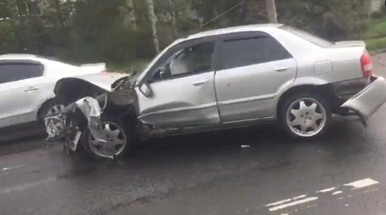 В сеть выложили видео жесткой аварии на Петрозаводском шоссе