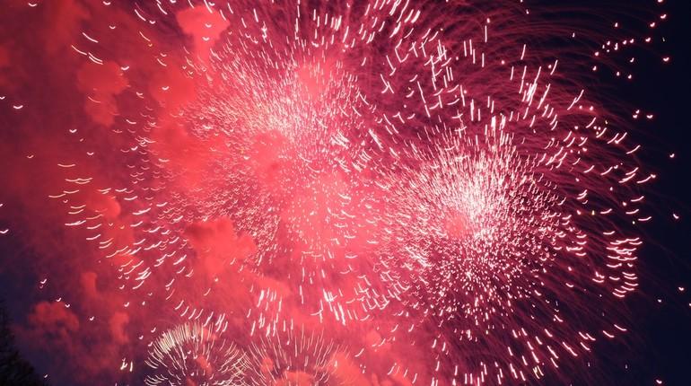 День Победы в Петербурге завершится праздничным салютом