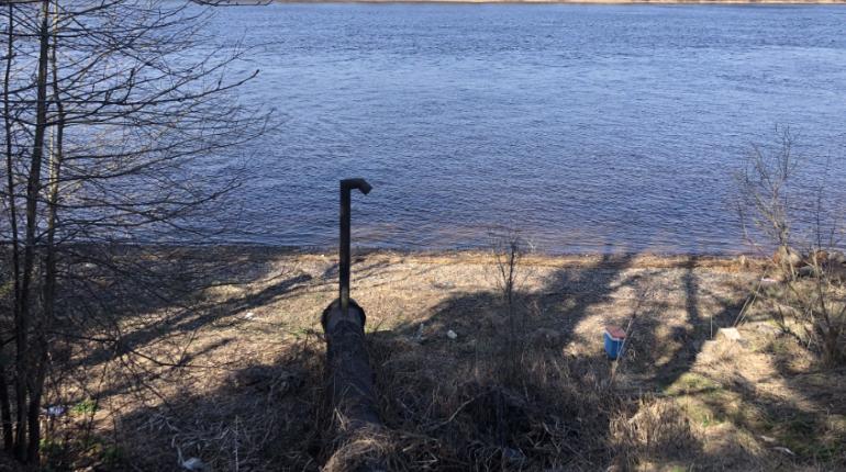 Водоканал Кировска слил в Неву «железную» воду