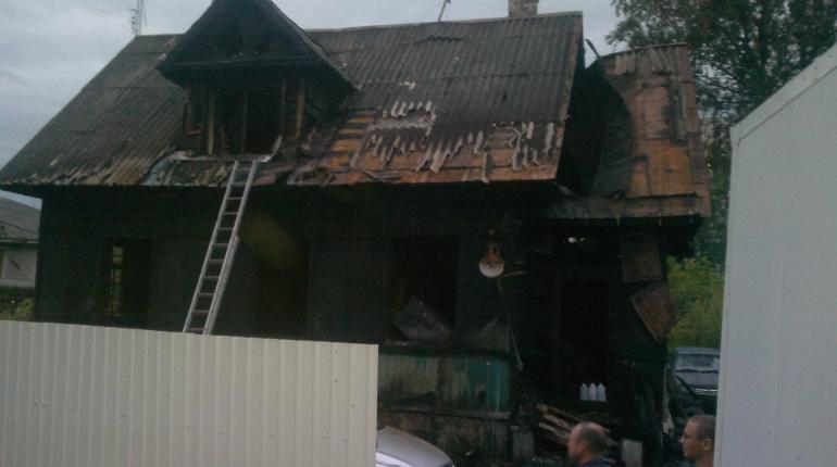 В Новом Токсово сгорел дачный дом