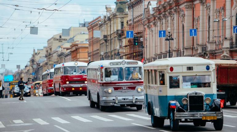Парад ретро-транспорта пройдет в Петербурге в честь дня города