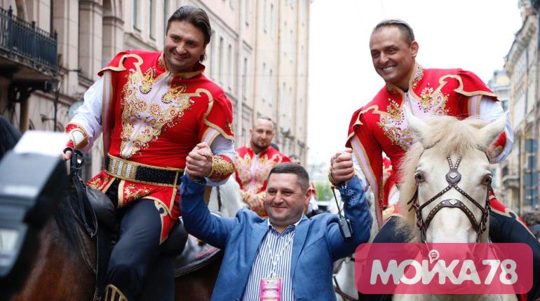 Братья Запашные на параде. Фото: Мойка78/Николай Овсянников