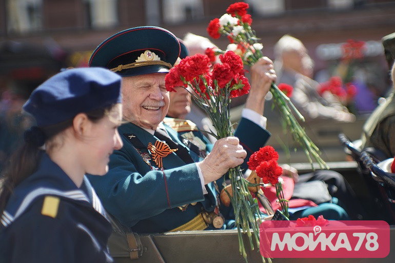 Депутаты одобрили перенос выплат ветеранам в Петербурге на 15 апреля