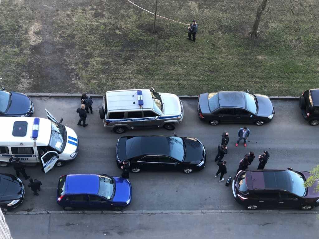 Два взрыва произошли на улице Кораблестроителей. Фото: ДТП и ЧП | Санкт-Петербург | Питер Онлайн | СПб