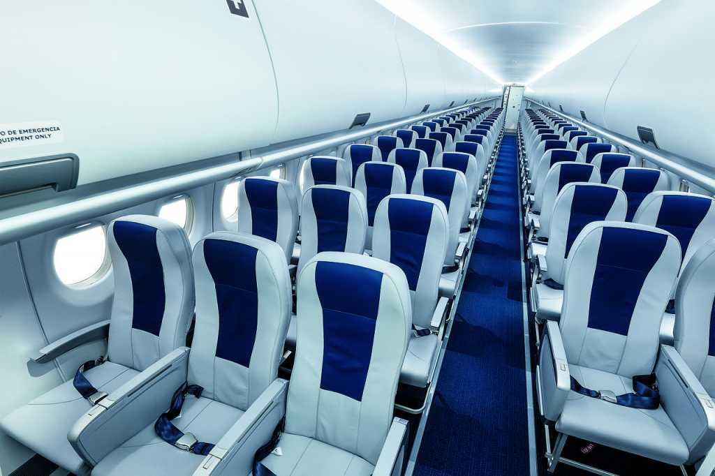 В ГД предложили обязать авиакомпании сажать рядом членов семьи