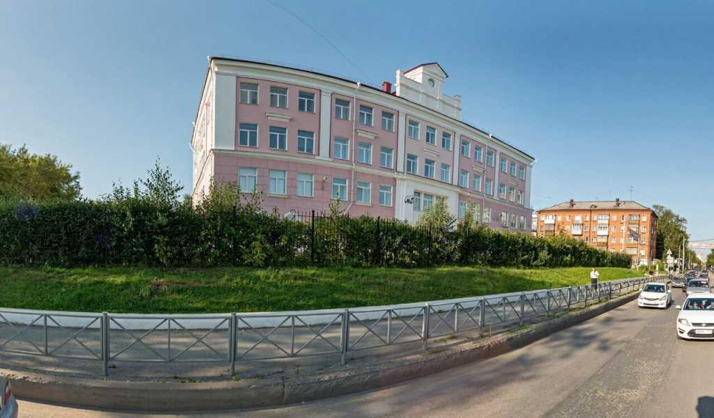 В пермской гимназии девочкам повышали проходные баллы