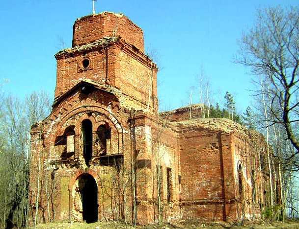 На Сойкиной горе в Ленобласти начали ремонт трассы рядом с храмом XVI века