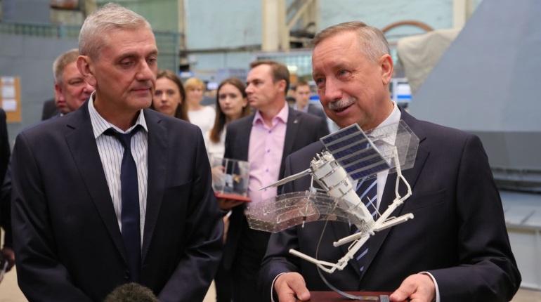 Врио губернатора Петербурга Александр Беглов на заводе