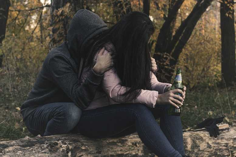 Россияне одновременно начали больше пить и следить за своим здоровьем