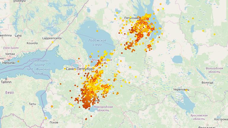 Показываем, как гроза подступает к Петербургу: молний много