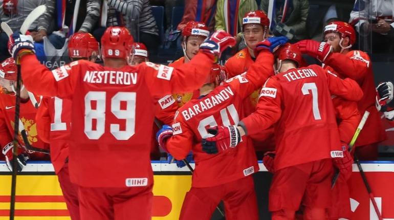 Сборная России по хоккею повторила рекорд СССР на ЧМ