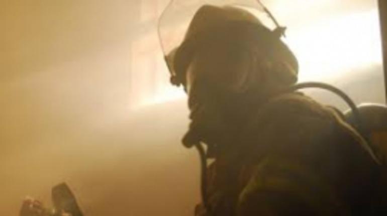 Подвальный пожар поднял температуру двора дома в Конном переулке