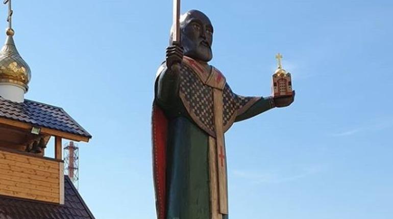 Окружение Милонова объяснило «странности» с фигурой святого в Шушарах