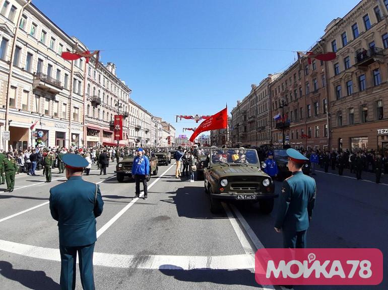 Ретроавтомобили на Невском проспекте. Фото: Мойка78