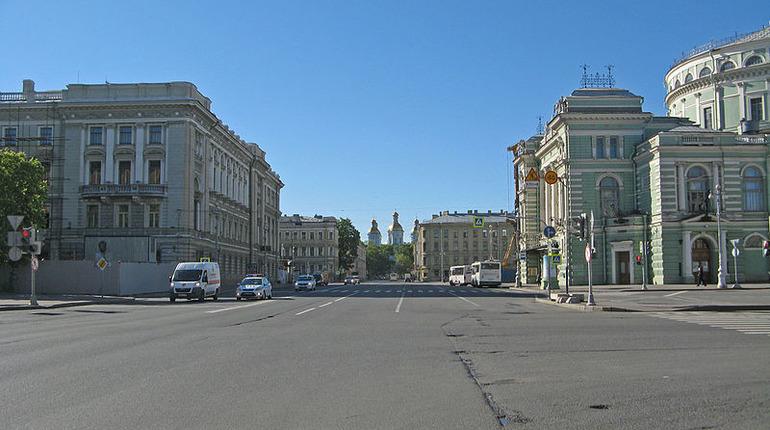На Театральной площади не будет выхода из метро