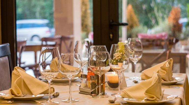 В России более 40% ресторанов возобновили работу после снятия ограничений