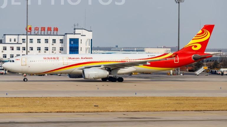 У севшего в Пулково лайнера из Пекина отказал двигатель