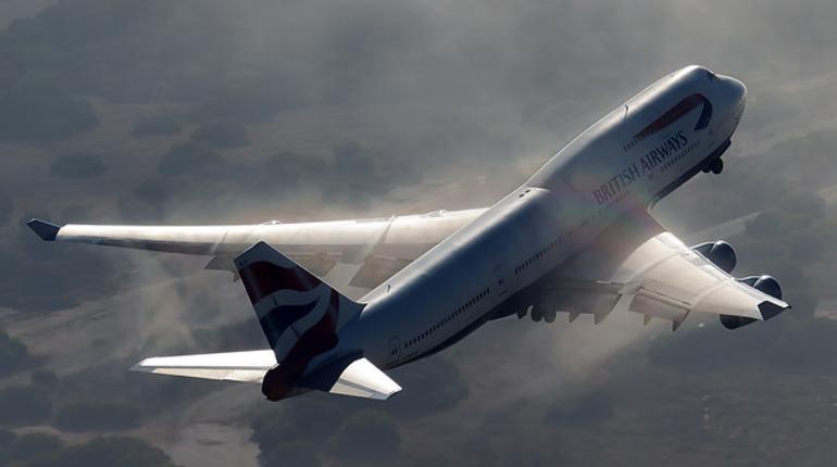 Годовалая девочка умерла в самолете, летевшем из Пхукета в Москву