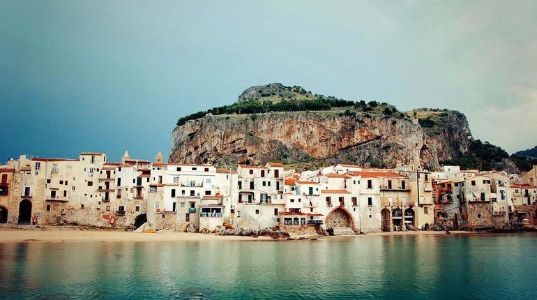 На Сицилии распродают дома за один евро