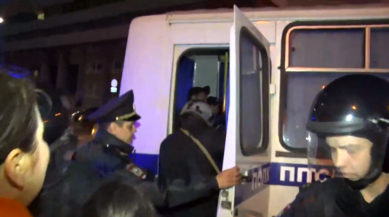 На протестах в Екатеринбурге задержали 23 человека