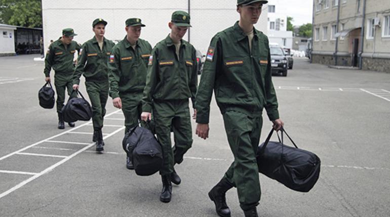 На службу в ЗВО отправились 5,5 тысяч призывников