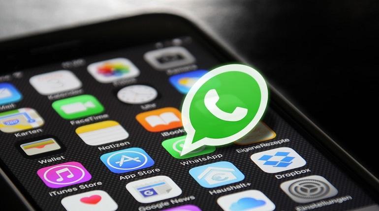 Хакеры научились взламывать смартфоны через WhatsApp