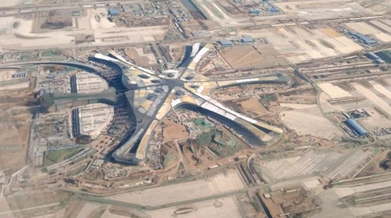 В Пекине достроили крупнейший в мире аэропорт