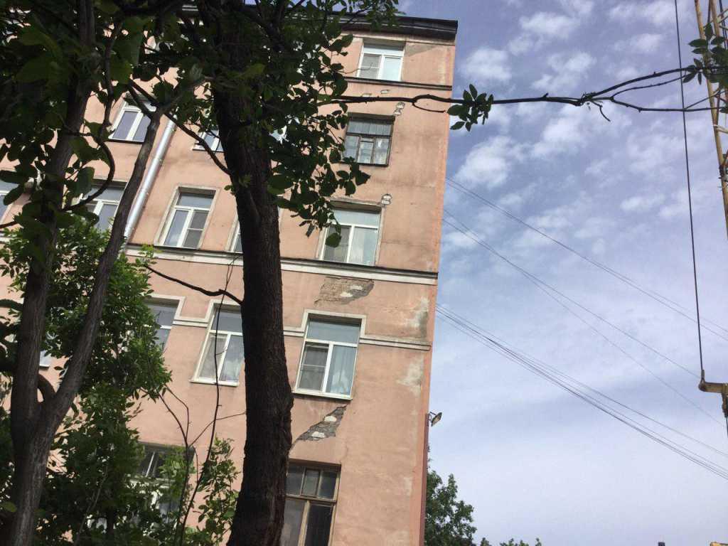 Администрация Выборгского района: причина разрушения дома — идущая рядом стройка