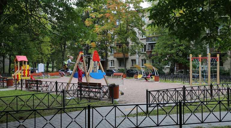 В Петербурге в 2020 году благоустроят 12 общественных пространств и 208 дворов